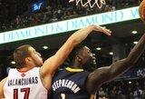 """Tarp juokingiausiu NBA pirmojo atkrintamųjų varžybų etapo epizodų – dviejų """"Mavericks"""" žaidėjų kova ir itin nesėkmingas L.Stephensono metimas"""