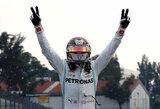 """Drąsi L.Hamiltono taktika atnešė jam pergalę, """"Ferrari"""" strategai vėl suklydo"""
