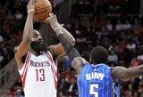 """J.Hardenas vėl svaidė tritaškius pro šalį, bet """"Rockets"""" nugalėjo po pratęsimo"""