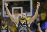 """S.Curry pagerino NBA finalų rekordą ir vedė """"Warriors"""" į pergalę"""