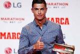 """Ispanijos dienraščio """"Marca"""" legendos apdovanojimą atsiėmęs C.Ronaldo: """"Tikiuosi greitai sugrįžti į Madridą"""""""