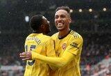 """Kietus """"Newcastle United"""" gynybos gniaužtus antrajame kėlinyje įveikę """"Arsenal"""" iškovojo pirmąją pergalę sezone"""