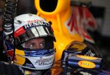 S.Vettelis lenktynėse tikisi atsitiesti pasinaudojęs strategija