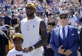 L.Jamesas ne itin svetingai pasitiktas Los Andželo NFL rungtynėse