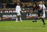 """C.Bacca paskutinėmis minutėmis išplėšė pergalę """"Milan"""" klubui"""