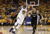 """NBA čempionai atkrintamųjų starte sutriuškino """"Spurs"""""""