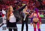 R.Rousey oficialiai sudarė kontraktą su WWE