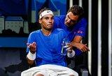 """""""French Open"""" turnyras nukeltas į rugsėjį, jį gali boikotuoti R.Federeris ir R.Nadalis"""