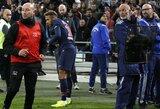 """Buteliais ir monetomis apmėtytas Neymaras ragina """"Ligue 1"""" atstovus imtis veiksmų: """"Tai yra nepagarba"""""""