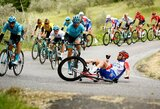 """Kritimo išvengęs R.Carapazas laimėjo ketvirtąjį """"Giro d'Italia"""" etapą"""