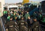 """Pamatykite: policijos prižiūrimi """"Žalgirio"""" fanai atvyko į Vilnių"""