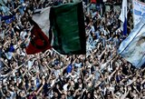 """Italijos futbolo federacija pradėjo tyrimą prieš """"Lazio"""" ultras, kurie uždraudė jų tribūnoje lankytis moterims"""