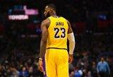 """Sugrįžęs LeBronas atvedė """"Lakers"""" į pergalę po pratęsimo"""