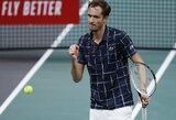 Finale triumfavęs D.Medvedevas aplenkė R.Federerį ir pasiekė karjeros rekordą
