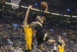 """Prieš NBA gynybos specialistą dominavęs J.Valančiūnas žavi """"Raptors"""" žvaigždes"""