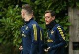 """""""Man United"""" legendos P.Scholeso pasiūlymas – priglausti """"Arsenal"""" nebereikalingą M.Ozilą"""