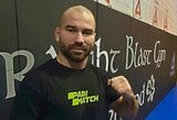 """A.Lobovas vienai kovai prašosi atgal į UFC ir reikalauja Z.Tuchugovo: """"Visus pinigus atiduočiau labdarai"""""""