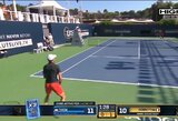 """""""Ultimate Tennis Showdown"""": per savaitgalį nenugalėti liko tik S.Tsitsipas ir D.Thiemas"""