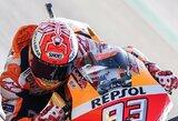 Japonijos GP laimėjęs M.Marquezas pavijo motosporto legendą, V.Rossi krito likus 4 ratams
