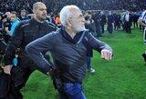 Neįtikėtina: PAOK prezidentas rungtynių metu su ginklu įsiveržė į aikštelę