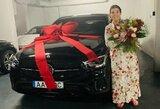 """O kaip jūs pasveikinote mamą: C.Ronaldo padovanojo """"Mercedes'ą"""" už 100 tūkst. eurų"""