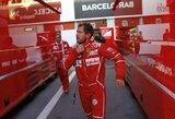 """""""Mercedes"""" vadovas atsakė į gandus apie S.Vettelio įsigijimą"""