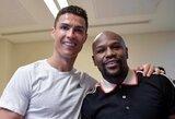 C.Ronaldo pergalę Italijos Supertaurėje atšventė su F.Mayweatheriu