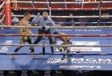 Pamatykite: įspūdingai vienu smūgiu varžovą nokautavęs O.Valdezas iškovojo WBC svorio kategorijos iki 59kg čempiono titulą
