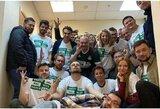 """""""Lokomotiv"""" atleido daugiau nei 20 darbuotojų, pozavusių su necenzūrinės frazės marškinėliais"""