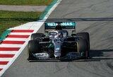 """Pirmąją bandymų dieną greičiausias buvo L.Hamiltonas, """"Ferrari"""" važiavo autsaiderių greičiu"""