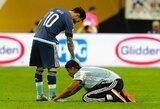 Po nuostabaus baudos smūgio L.Messi aikštėje buvo pagarbintas