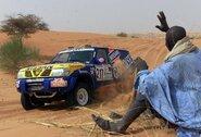 """Kas yra bendro tarp """"Nissan"""" ir misterio """"Dakaro"""" S.Peterhanselio?"""