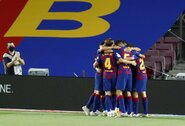 """Ispanijoje – dvi raudonos kortelės ir minimali """"Barcelonos"""" pergalė"""