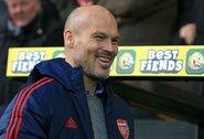 """A.Jonkerio patarimas """"Arsenal"""" – turėti drąsos ir pasiūlyti F.Ljungbergui ilgalaikį kontraktą"""