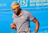 J-W.Tsonga po beveik 3 valandų kovos laimėjo ATP 250 turnyro finalą