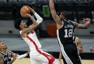 """""""Rockets"""" pergalingai pradėjo naują erą be J.Hardeno"""