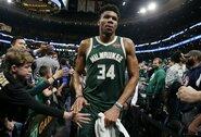 """G.Antetokounmpo: """"Galiu laimėti NBA žiedą ir nemesdamas tolimų metimų"""""""