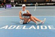 """""""Roland Garros"""" čempionė I.Swiatek antrą kartą karjeroje laimėjo WTA serijos turnyrą"""
