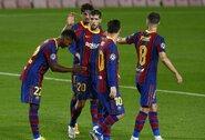 """Čempionų lyga: dešimtyje rungtyniauti likusi """"Barcelona"""" iškovojo triuškinamą pergalę"""
