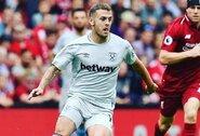 """""""West Ham"""" saugas šokiravo pasaulį vaizdo įrašu, kuriame treniruojasi su savo žmona"""