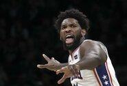 """J.Embiido nesulaikiusi """"Celtics"""" pirmą kartą pralaimėjo namų arenoje"""