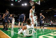 """Kinijos televizija dėl E.Kanterio pozicijos nebetransliuos """"Celtics"""" rungtynių"""