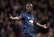 """Anglijos spauda: """"Manchester United"""" pratęsė sutartį su E.Bailly"""