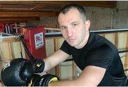 Į treniruotes grįžęs E.Kavaliauskas prarado dar tris vietas WBO reitinge