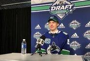 NHL naujokų biržoje po trejų metų pertraukos pašauktas latvis, šešiolika metų nematytas rusų skaičius, o vienas žaidėjas buvo išmainytas šešis kartus
