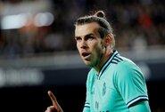 """Niekam nereikalingas: G.Bale'as ir toliau vilkės """"Real"""" marškinėlius?"""