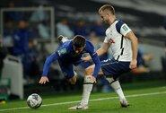 """Netikėta situacija: """"Tottenham"""" gynėjas paliko aikštę, nes gamta pašaukė"""