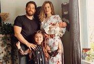 """Ilgametis UFC kovotojas prarado vos prieš mėnesį gimusią dukrelę: """"Ją išgelbėti buvo per vėlu"""""""
