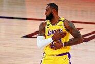 """""""Lakers"""" dėl pražangų prieš L.Jamesą kreipėsi į NBA"""