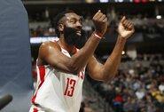 """N.Jokičius buvo nesustabdomas, nutrūko J.Hardeno taškų ir """"Rockets"""" pergalių serijos"""